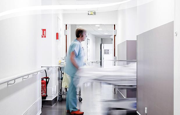 Création d'une brochure pour l'Hôpital Privé de la Loire (HPL).