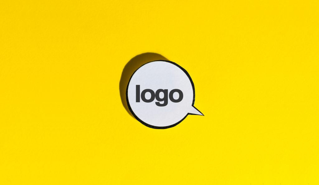 Logo et identité visuelle au bord de la crise de nerfs.