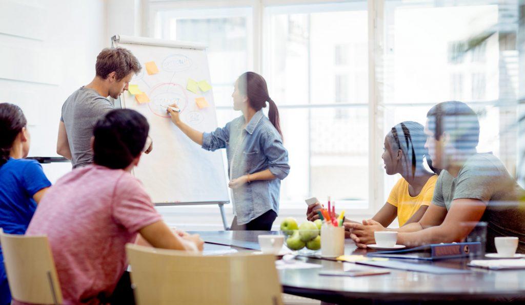 Bénéficiez d'une communication entreprise sur mesure avec l'agence de communication 32 Décembre