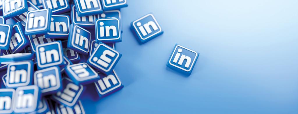Amas de petits logo LinkedIn symbolisant les comptes lorsque l'on peut communiquer sur LinkedIn